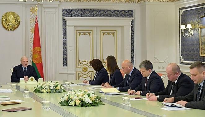 """Как Лукашенко создает новую """"фабрику мыслей"""""""