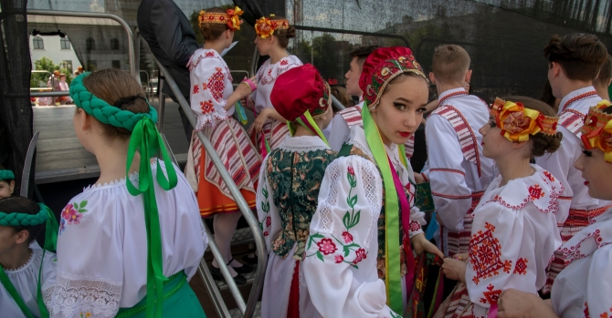 As Putin Pushes a Merger, Belarus Resists With Language, Culture and History