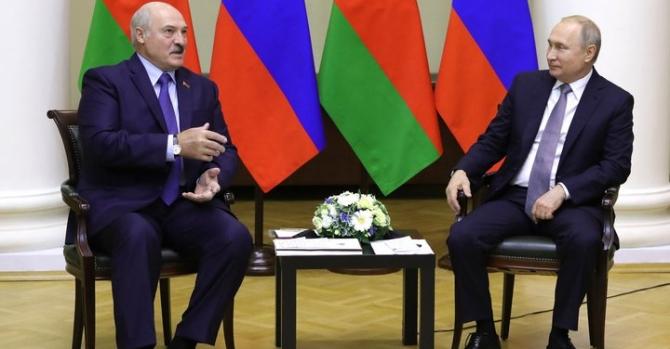 """""""Вы еще с нами не рассчитались за последнюю войну"""". Лукашенко озвучил претензии к Западу"""