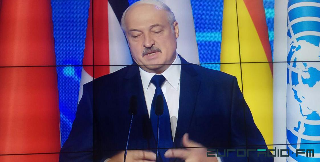 Lukashenka: We are thinking how to limit internet without sanctions