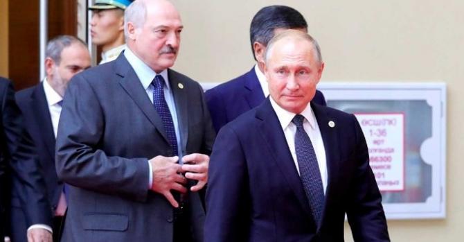 Лукашенко попал в нелепую ситуацию на встрече с Путиным