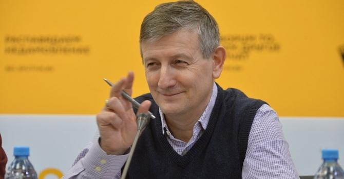 Романчук ожидает событие, которое укажет на то, какой сценарий на 2020 год выберет Лукашенко