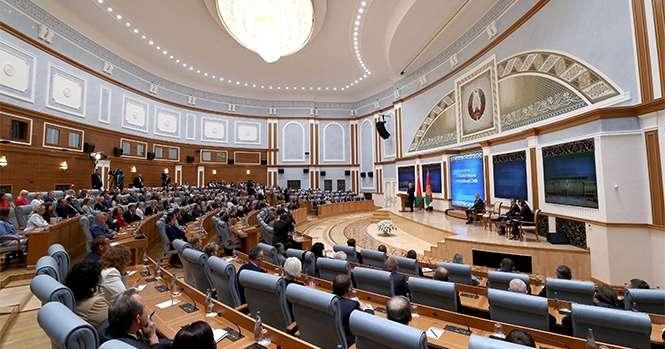 Лукашенко пообещал навести порядок в работе СМИ