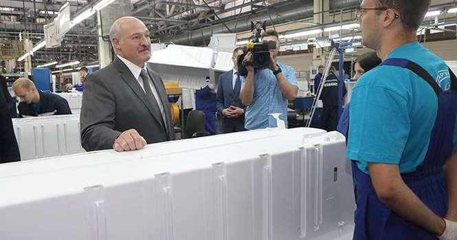 Лукашенко обещает «железобетонно» разобраться с бизнесом